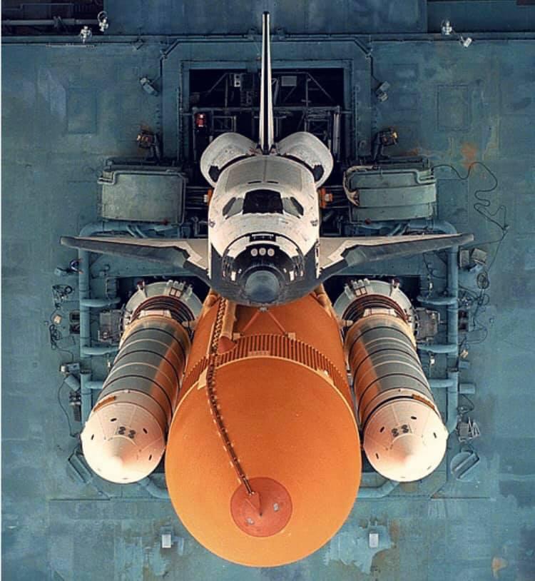 Space_Shuttle_Rampa_Alto
